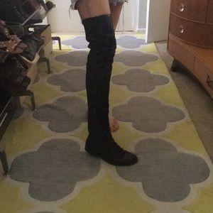 Thigh high black lamb, boots, fits US8.5 perfect!